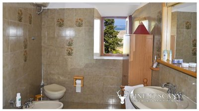 3-Bedroom-house-for-sale-in-Orciatico-Tuscany-Italy-14