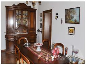 Image No.12-Maison de 3 chambres à vendre à Lajatico