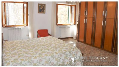 3-Bedroom-house-for-sale-in-Orciatico-Tuscany-Italy-18