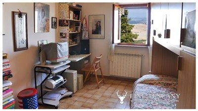 3-Bedroom-house-for-sale-in-Orciatico-Tuscany-Italy-21