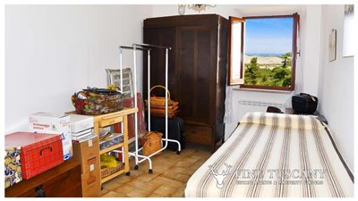 3-Bedroom-house-for-sale-in-Orciatico-Tuscany-Italy-24