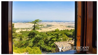 3-Bedroom-house-for-sale-in-Orciatico-Tuscany-Italy-23