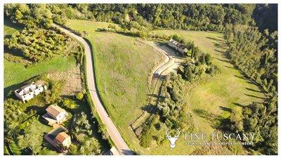 2-farmhouses-for-sale-in-Montefoscoli-Palaia-Tuscany-Italy---0-1