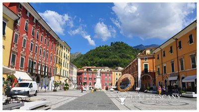 3-Bedroom-Property-for-sale-in-Carrara-Tuscany-Italy-0