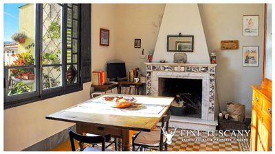 3-Bedroom-Property-for-sale-in-Carrara-Tuscany-Italy-6