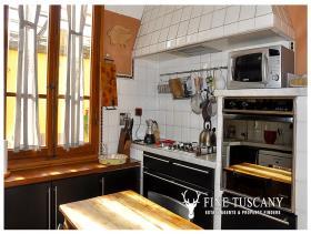Image No.8-Appartement de 3 chambres à vendre à Carrara