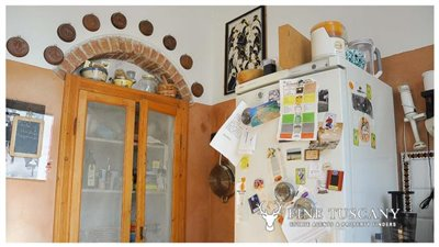3-Bedroom-Property-for-sale-in-Carrara-Tuscany-Italy-12