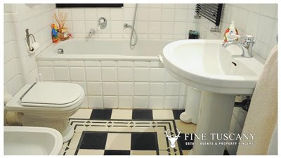 3-Bedroom-Property-for-sale-in-Carrara-Tuscany-Italy-16