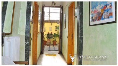 3-Bedroom-Property-for-sale-in-Carrara-Tuscany-Italy-19