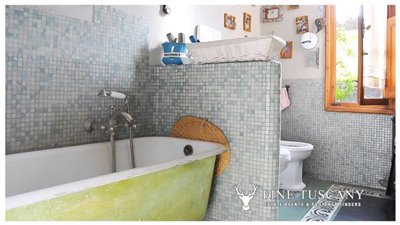 3-Bedroom-Property-for-sale-in-Carrara-Tuscany-Italy-25