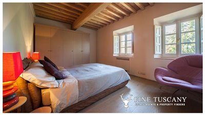 Apartment-for-sale-in-Castelfalfi--Tuscany--Double-Bedroom-1