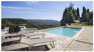 Apartment-for-sale-in-Castelfalfi--Tuscany--panoramic-swimming-pool-1