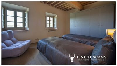 Apartment-for-sale-in-Castelfalfi--Tuscany--Twin-Bedroom-1