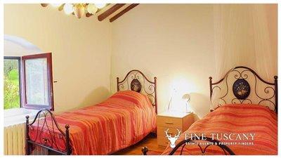 Detached-stone-house-for-sale-in-Casore-Del-Monte--Marliana--Pistoia--Tuscany--36