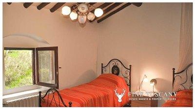 Detached-stone-house-for-sale-in-Casore-Del-Monte--Marliana--Pistoia--Tuscany--38