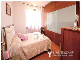 Image No.14-8 Bed Villa / Detached for sale