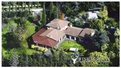 Villa-for-sale-in-Bientina--Tuscany--Italy---Aerial-view
