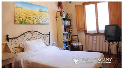 Villa-for-sale-in-Bientina--Tuscany--Italy---Ground-floor-double-bedroom