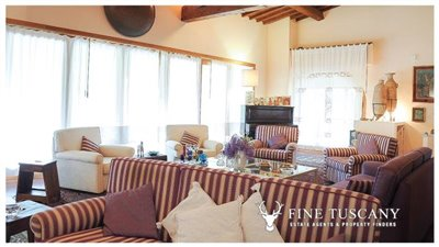 Villa-for-sale-in-Bientina--Tuscany--Italy---Living-room-1