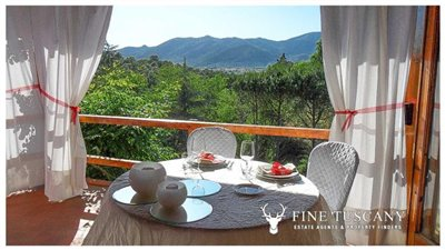 Villa-for-sale-in-Bientina--Tuscany--Italy---Terrace-1