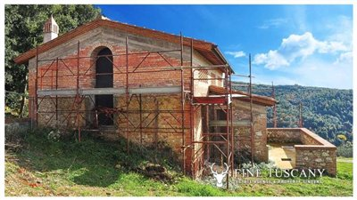 2-shell-homes-for-sale-in-Palagio-Montaione-Tuscany-10