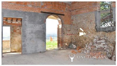 2-shell-homes-for-sale-in-Palagio-Montaione-Tuscany-14