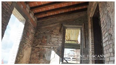 2-shell-homes-for-sale-in-Palagio-Montaione-Tuscany-24