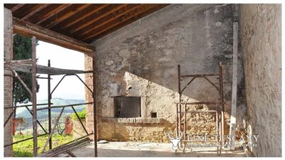 2-shell-homes-for-sale-in-Palagio-Montaione-Tuscany-28