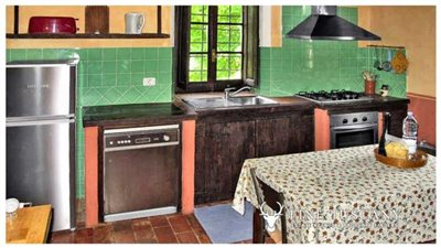 Rustic-House-for-sale-in-Garfagnana-Tuscany-Italy-9