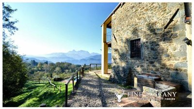 Rustic-House-for-sale-in-Garfagnana-Tuscany-Italy-13