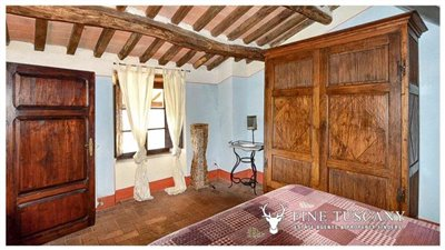 Rustic-House-for-sale-in-Garfagnana-Tuscany-Italy-16