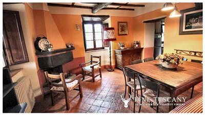 Rustic-House-for-sale-in-Garfagnana-Tuscany-Italy-17