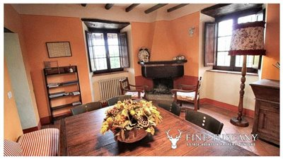 Rustic-House-for-sale-in-Garfagnana-Tuscany-Italy-18