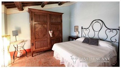 Rustic-House-for-sale-in-Garfagnana-Tuscany-Italy-24
