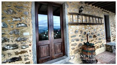 Rustic-House-for-sale-in-Garfagnana-Tuscany-Italy-28