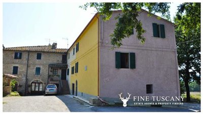House-for-sale-in-Chiusdino-Siena-Tuscany-4