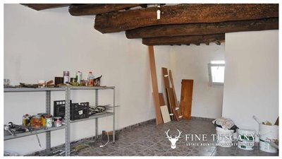 House-for-sale-in-Chiusdino-Siena-Tuscany-7