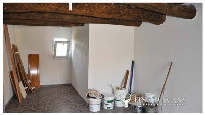 House-for-sale-in-Chiusdino-Siena-Tuscany-8