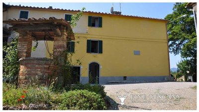 House-for-sale-in-Chiusdino-Siena-Tuscany-12