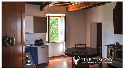 House-for-sale-in-Chiusdino-Siena-Tuscany-13