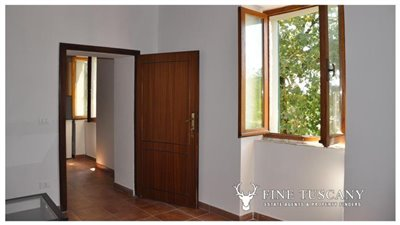 House-for-sale-in-Chiusdino-Siena-Tuscany-17