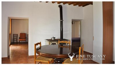 House-for-sale-in-Chiusdino-Siena-Tuscany-18