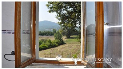 House-for-sale-in-Chiusdino-Siena-Tuscany-21