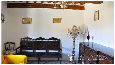 House-for-sale-in-Chiusdino-Siena-Tuscany-28