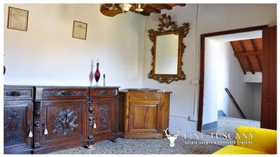 House-for-sale-in-Chiusdino-Siena-Tuscany-29