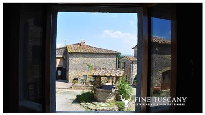 House-for-sale-in-Chiusdino-Siena-Tuscany-30