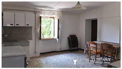 House-for-sale-in-Chiusdino-Siena-Tuscany-32