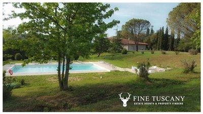 Villa-for-sale-in-Fauglia-Pisa-Tuscany-Italy-3