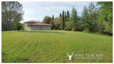 Villa-for-sale-in-Fauglia-Pisa-Tuscany-Italy-5