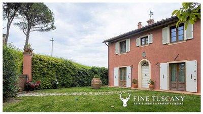 Villa-for-sale-in-Cevoli--Casciana-Terme--Pisa--Tuscany--Italy-1